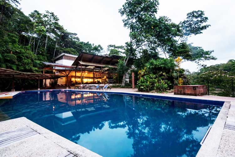 Pool restaurant Itamandi Lodge - Upper Napo River Lodges
