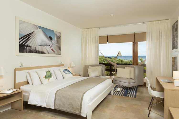 finch-bay-galapagos-suite